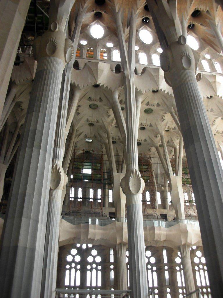 Sagrada_Familia_Interior