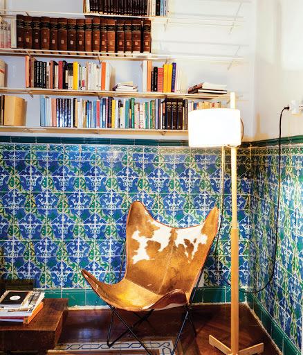 tagliabue-house-1938-butterfly-chair-by-antonio-bonet-juan-kurchan-and-jorge-ferrari-hardoy-1983-tmc-floor-lamp-by-miguel-mila