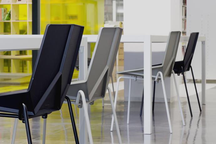 krzesło metalowo-plastikowe