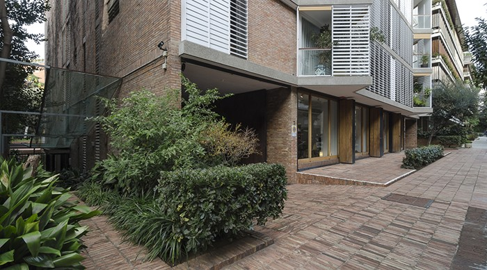 Bach Street Apartments 3a4