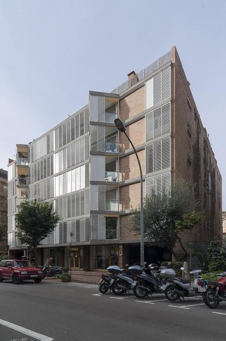 Bach Street Apartments 592