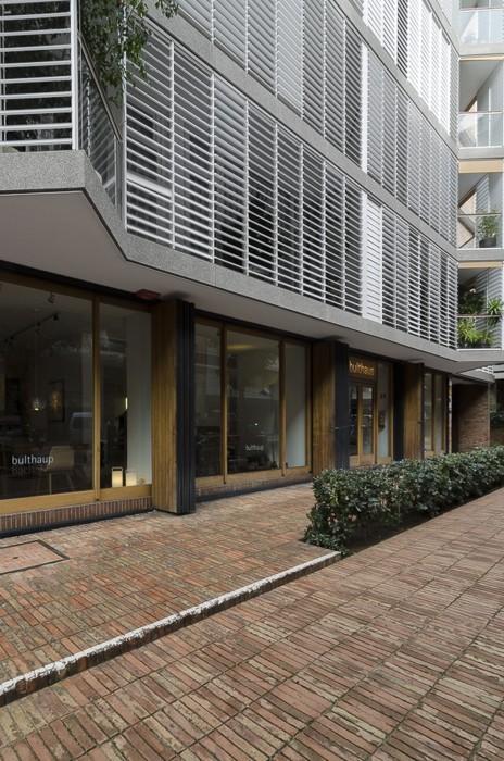 Bach Street Apartments E23