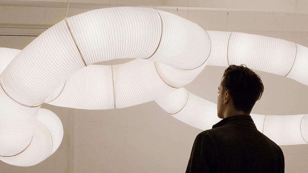 Oświetlenie modułowe i nieograniczone kompozycje lamp Tekio Anthony'ego Dickensa dla Santa & Cole