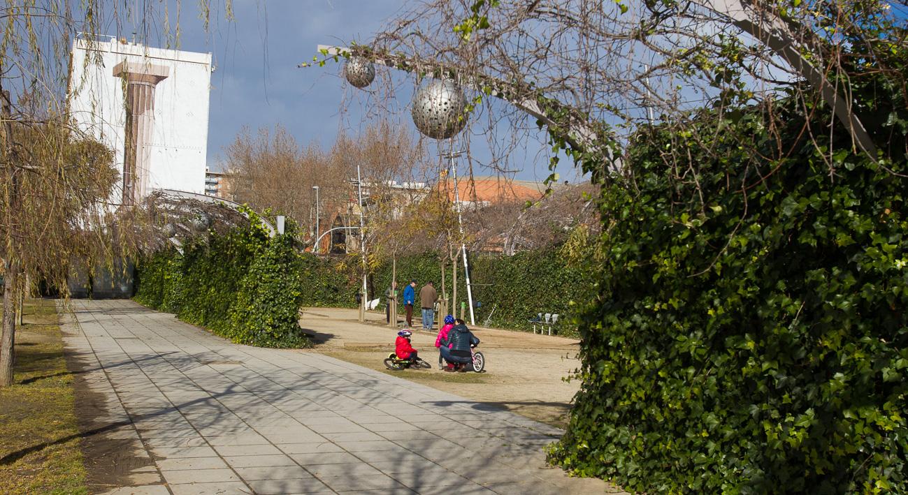 Parc Del Centre Del Poble Nou 3