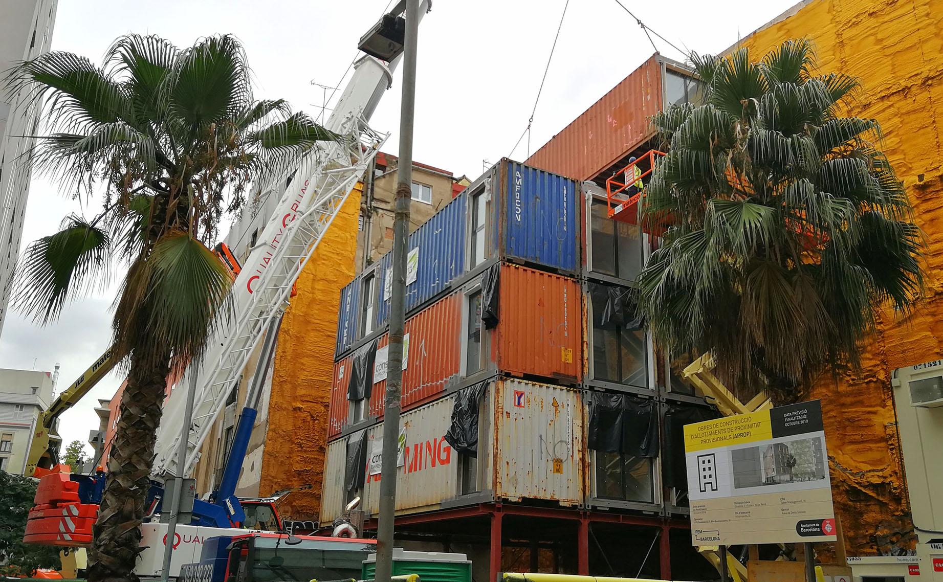 APROP czyli mieszkania – kontenery w Ciutat Vella, Barcelona