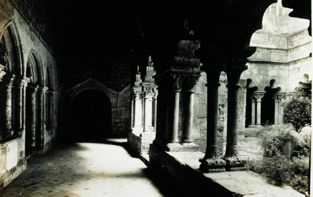 Nieznany Krużganek kościoła Sant Pau del Camp 1923