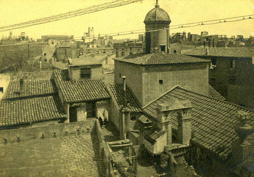 Adolf Mas Kopuła i dzwonnica Santa Marta