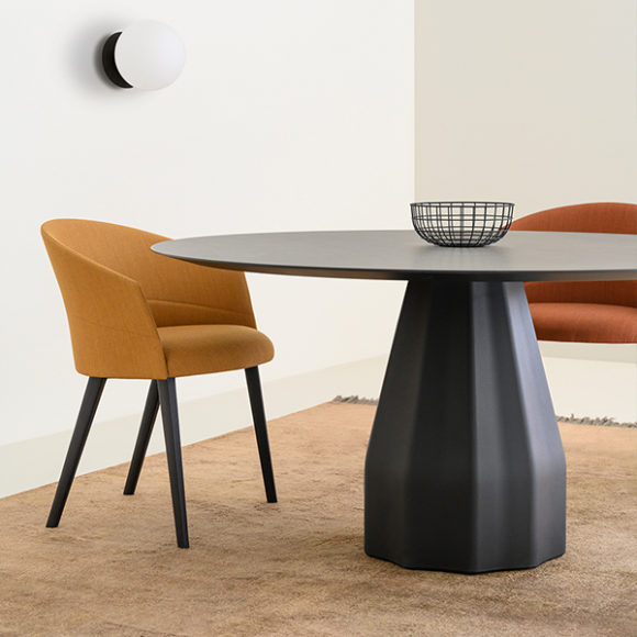 Viccarbe-Burin-Table-by-Patricia-Urquiola-4