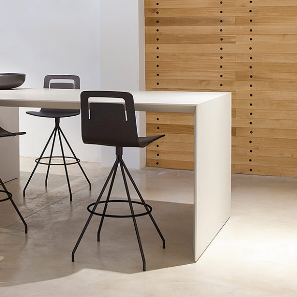 Viccarbe-Klip-Chair-by-Victor-Carrasco-1