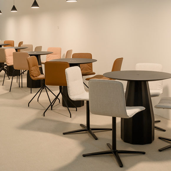 Viccarbe-Klip-Chair-by-Victor-Carrasco-7 (1)