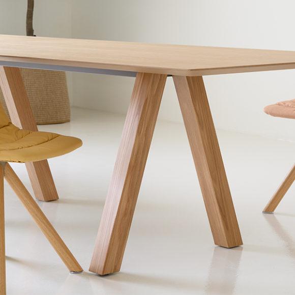 Viccarbe-Maarten-Chair-by-Víctor-Carrasco-5